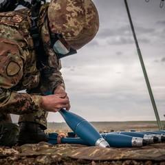 Mortaista nella preparazione delle bombe