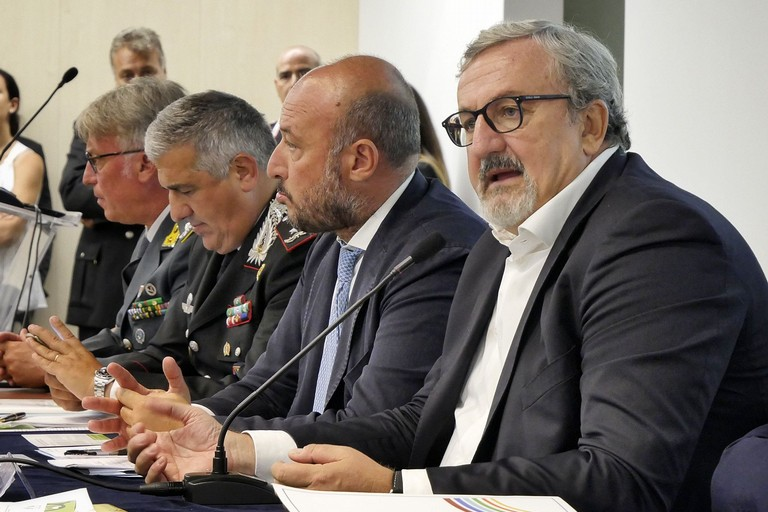 Rifiuti, la Regione dichiara guerra agli sporcaccioni
