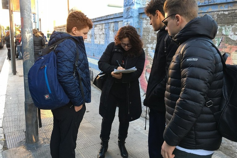 La raccolta firme di Grazia Di Bari (M5S)