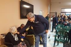 Il presidente Emiliano in visita alla casa di riposo Testino