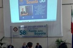 Lo studente coratino Cristian Quatela premiato dal Rotary