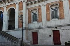 """Pacchi dono ai bisognosi dal Lions Club """"Castel del Monte Host"""" di Andria, Corato, Spinazzola"""