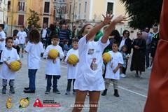 In piazza con la palla a spicchi: ecco una grande festa