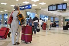 Covid, Lopalco: «Tamponi in aeroporto per chi rientra dalla Gran Bretagna»