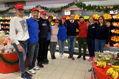 """""""Felicemente Natale"""", promoter speciali all'Eurospar di Trani"""