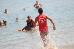 Bagnanti risucchiati dalla corrente del mare, in ospedale due giovani di Corato