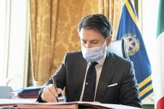 Conte firma il decreto ristoro, risorse a fondo perduto per le categorie danneggiate dal Dpcm