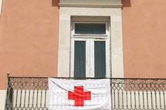 Giornata Mondiale della Croce Rossa, esposta bandiera da Palazzo di Città