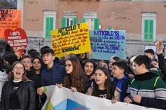 Studenti in piazza per i Diritti dell'Uomo