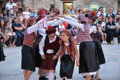 Le danze del mondo arrivano in Piazza Cesare Battisti
