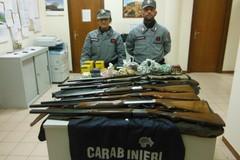 Falsa licenza di caccia, sequestrati 7 fucili e 600 munizioni