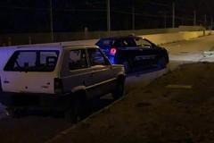 Auto solitaria abbandonata alla periferia della città: era stata rubata