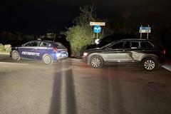 Ladri d'auto speronano auto dei vigilantes, refurtiva recuperata