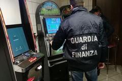 Gioco illegale e scommesse clandestine, GDF sequestra 59 apparecchi elettronici