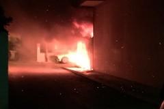 Notte di fuoco in via Majorana