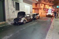 Notte di fuoco, due auto in fiamme a Corato