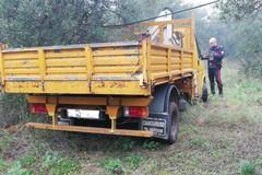 Scoperto camion rubato a Corato nelle campagne murgiane di Andria