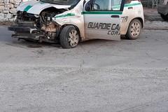 Schianto sulla vecchia via per Canosa, ferito vigilante