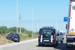 Incidente sulla Corato - Trani, auto finisce fuori strada