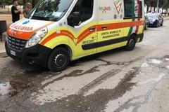 Violenta caduta sulla strada, ciclista in ospedale