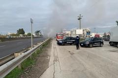Camion in fiamme, sp231 bloccata in direzione Andria