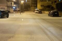 Improvvisa nevicata di primavera imbianca le strade