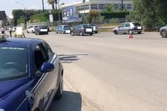 Incidente su via Castel del Monte, traffico rallentato