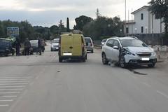 Scontro tra mezzi su via Castel del Monte, traffico rallentato