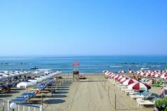 Radio in spiaggia, al via l'Apulia Tour di Radio Selene