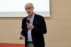 Covid, Lopalco: «Vaccino in arrivo nei primi giorni di gennaio»