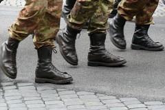 La proposta del M5S: «Inserire militari a sostegno della pubblica amministrazione»