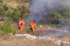 Vasto incendio tra Andria e Corato. LE FOTO