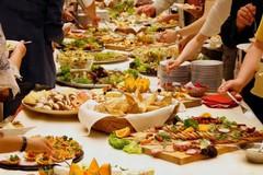 Cenoni e pranzi natalizi senza sprechi, i pugliesi reinventano gli avanzi