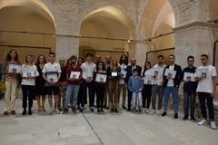 """""""Io merito"""", a quarantasei studenti eccellenti la borsa di studio di Rotary e Comune di Corato"""