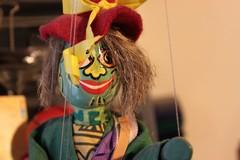 Un laboratorio di pupazzi e marionette per allestire una Parata