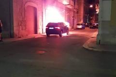 Automobile in fiamme, continua la scia degli incendi