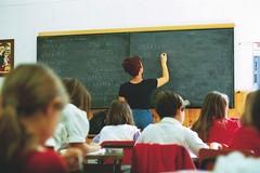Scuola, chiesto il blocco delle procedure di mobilità per il personale