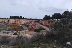 Sigilli a una vecchia cava tra Bisceglie e Corato, trovati rifiuti da demolizione
