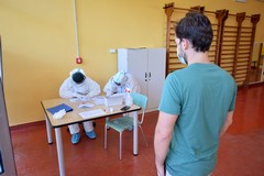 Covid, nuovi ambulatori e 57 medici Usca. Asl Bari: «Pronti ad effettuare 700 tamponi al giorno»