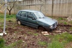 Ancora un'auto rubata ritrovata nelle campagne coratine