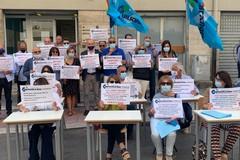 Dirigenti scolastici protestano: «Ascoltate le nostre richieste»