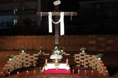 Venerdì Santo, in Via Nicola Salvi la luce della devozione