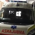 Lanciano sassi contro le auto sulla sp 231: colpita ambulanza del 118