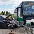 Auto si schianta contro autobus di linea sulla Corato - Trani