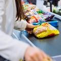 «Il personale dei supermercati è esposto al contagio. Bisogna vaccinarlo»