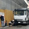 Donna investita da camion su Via Castel del Monte