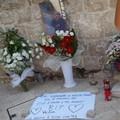 Tre anni fa l'omicidio di Victor: il sindaco oggi depone una corona in memoria