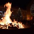Il falò di Santa Lucia, lo stupore del fuoco che illumina la notte più lunga dell'anno