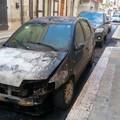 Altre due auto in fiamme nella notte