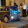 Incidente in via Ameglio, auto contro veicolo in sosta